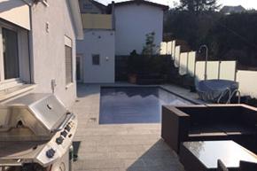 Villa, komplette Poolbereichreinigung