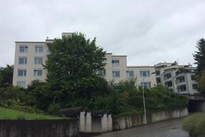 Fensterreinigung, Geschäftshaus, Altendorf SZ